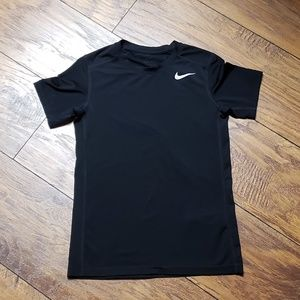 Black Boy's S/S NIKE Dri-Fit T-shirt Size Medium